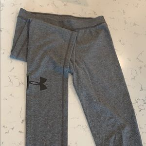 Underarmour leggings!